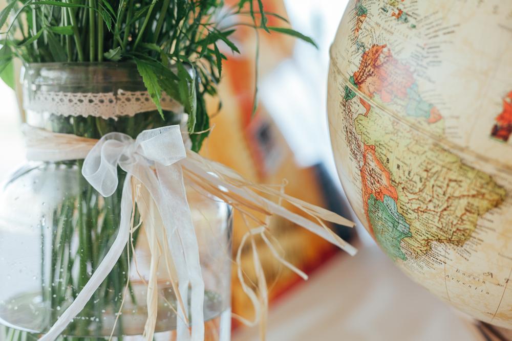 décoration mappemonde pour mariage sur le thème du voyage